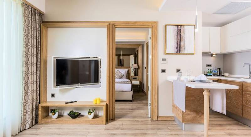 Bof Hotels Ceo Suite