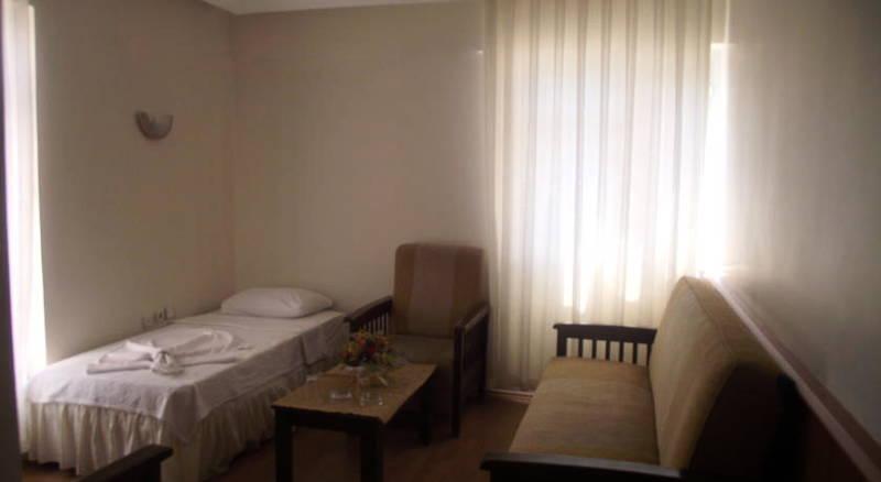 Hotel Luna Piena Telefon Numaraları Ve İletişim Bilgileri
